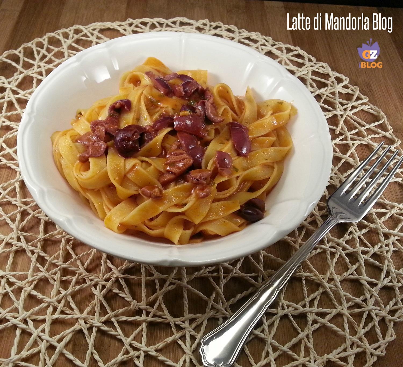 Pasta con crema di scampi e olive