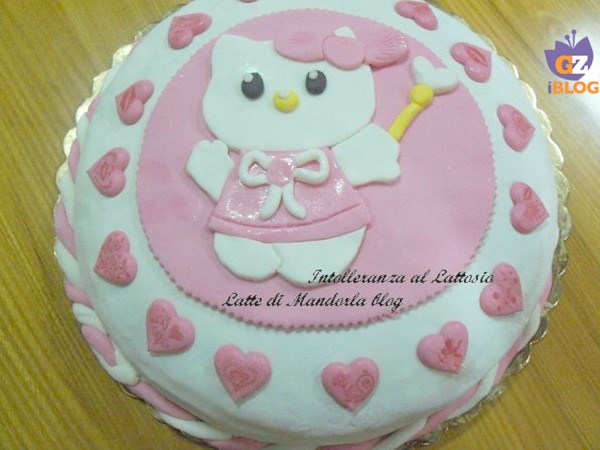 Torta compleanno per bambini Hello Kitty – Latte di Mandorla blog Copyright © All Rights Reserved