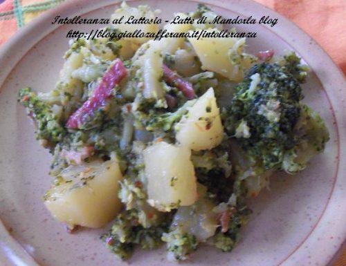 Patate broccoli e pancetta | Ricetta contorno