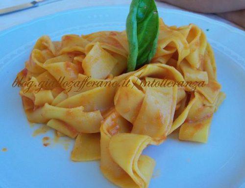 Pappardelle al sugo di pomodoro fresco e basilico
