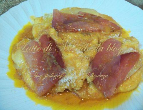 Scaloppina di petto di pollo alla bolognese