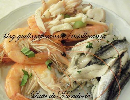 Antipasto di mare: alici marinate, gamberi e seppia all'insalata