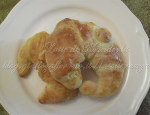 Cornetti semplici, ricetta senza latte e burro