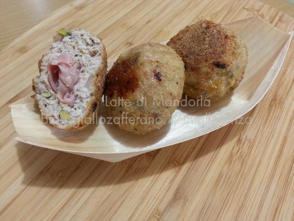 Polpette con mortadella e pistacchi - Latte di Mandorla blog Copyright © All Rights Reserved