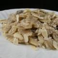 Pasta con crema di carciofi e mandorle