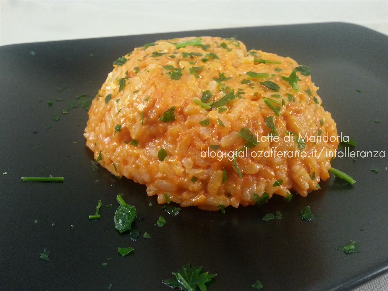 Risotto al pesto di pomodori secchi e mandorle
