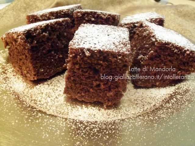 Torta al cacao con farina integrale e olio extravergine di oliva|Latte di Mandorla Blog Copyright © All Rights Reserved
