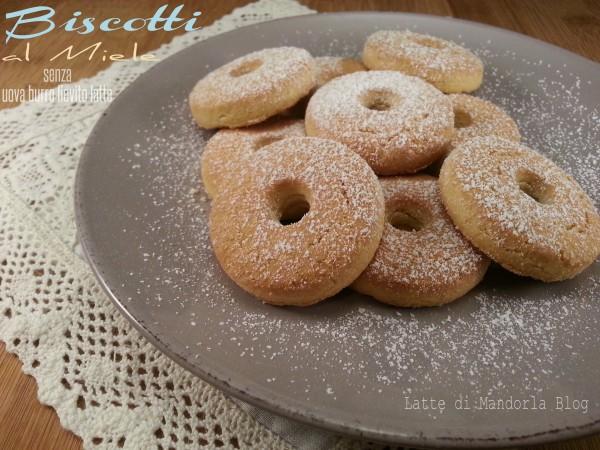 Biscotti integrali al miele senza uova burro lievito latte