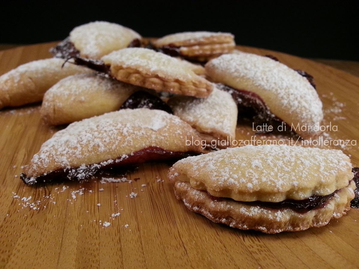 Biscotti ripieni di marmellata senza glutine e lattosio