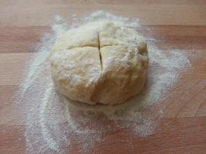 Pizza veloce cotta in padella senza lievito glutine lattosio