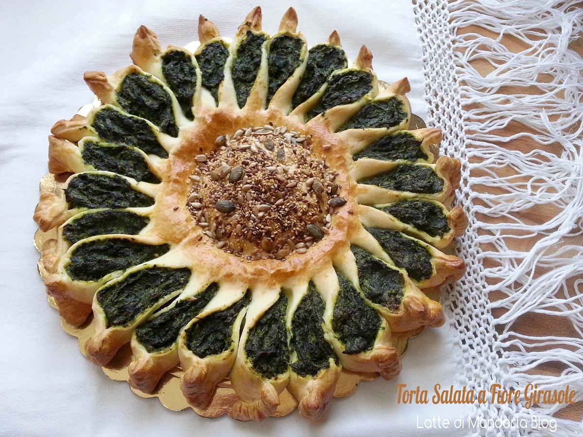 TORTA SALATA FORMA DI FIORE GIRASOLE -Latte di Mandorla Blog Ricette senza Lattosio - Copyright © All Rights Reserved