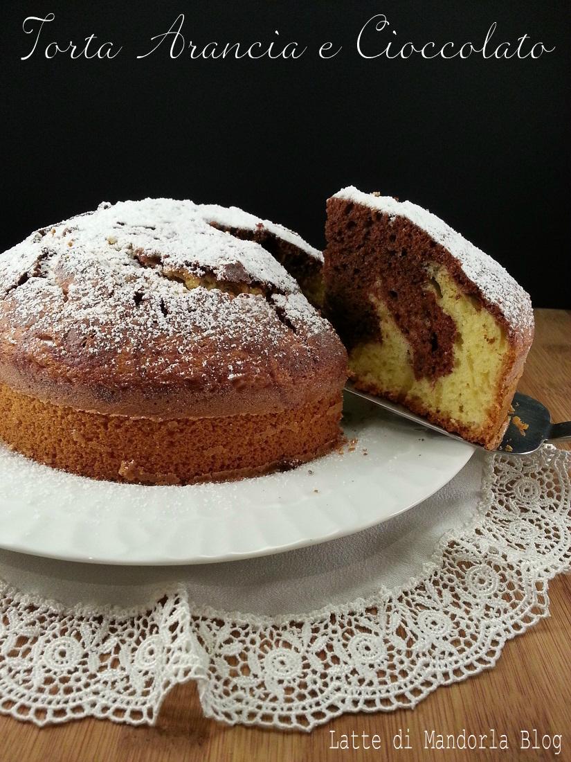 Ciambellone Con Burro E Latte.Torta Soffice Con Arancia Variegata Al Cioccolato Senza