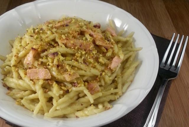 Pasta con pesce spada e pesto di pistacchi