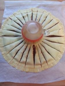 torta fiore di pasta sfoglia (Girasole dolce farcito alla crema di nocciole)