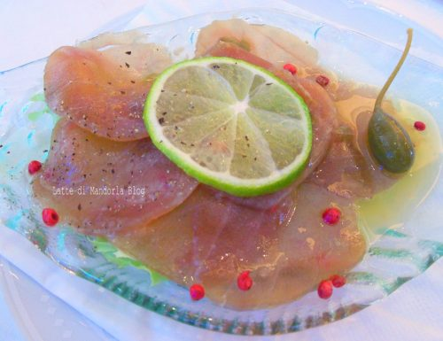 Carpaccio di filetto di tonno marinato al limone