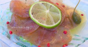 Carpaccio di filetto di tonno marinato al limone