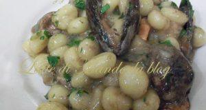 Gnocchi con funghi porcini e cozze | Ricetta primo piatto