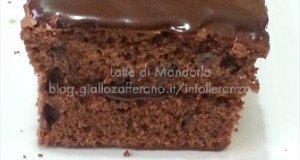 Plum cake al cacao e latte di mandorla