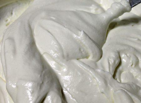 Camy cream leggera alla mandorla