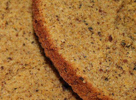 Pan di Spagna alle nocciole a panna