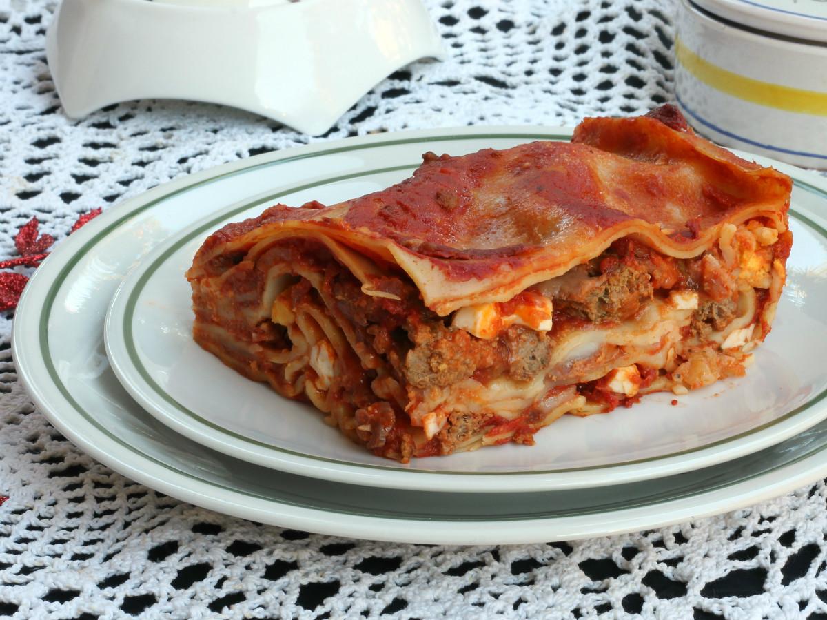 LASAGNE NAPOLETANE ricetta lasagne polpette mozzarella