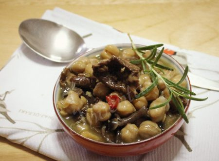 Zuppa di ceci e funghi al rosmarino