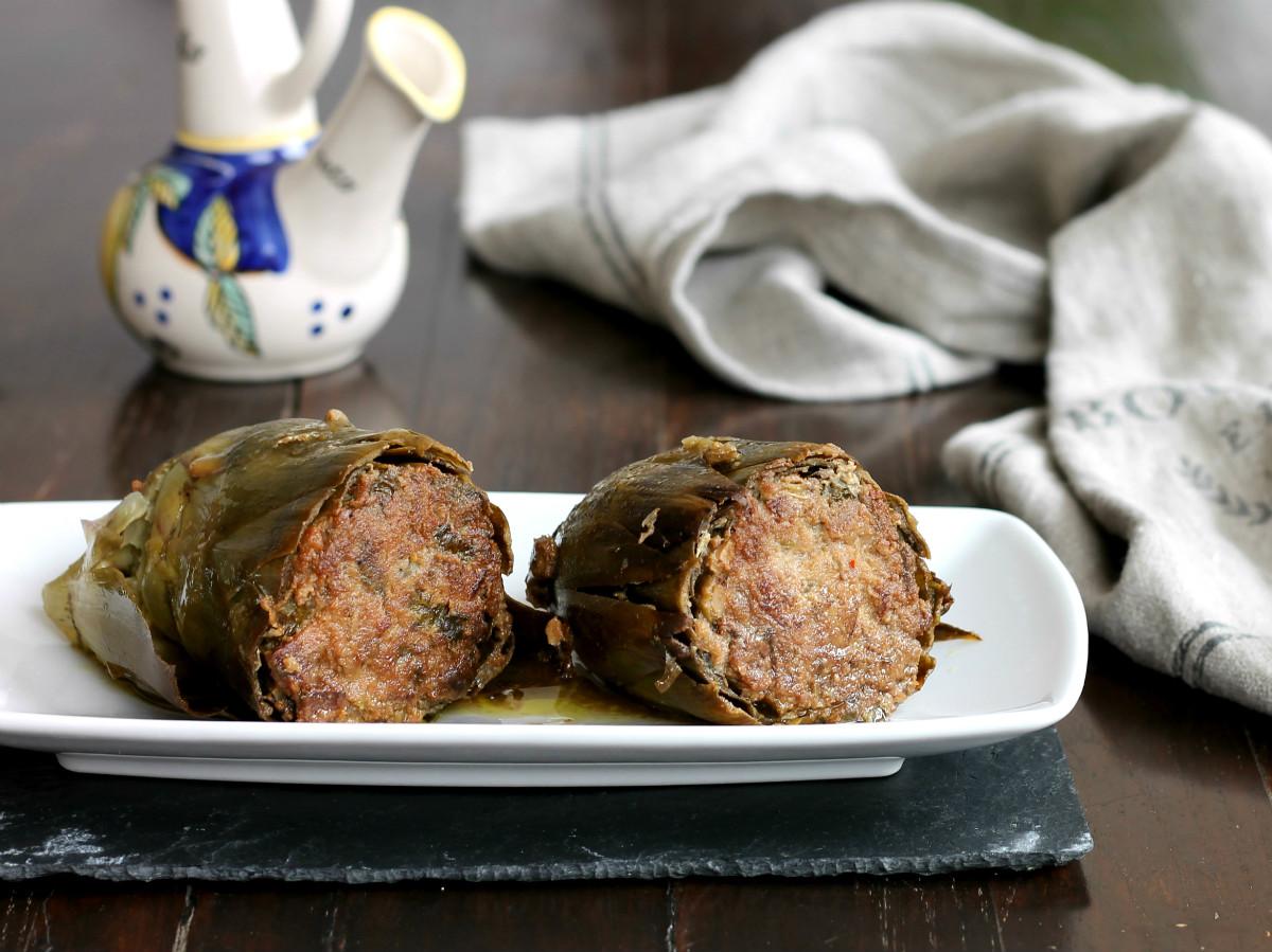 CARCIOFI RIPIENI con salsiccia e pan grattato | ricetta secondo gustoso