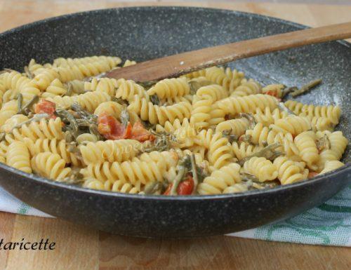Pasta con Asparagi e Pomodorini Cremosa
