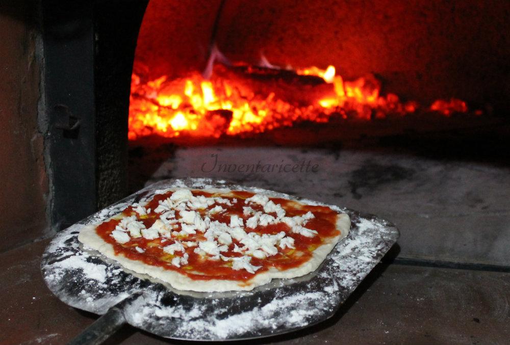 Impasto per pizza forno a legna preparazione base for Sportello per forno a legna
