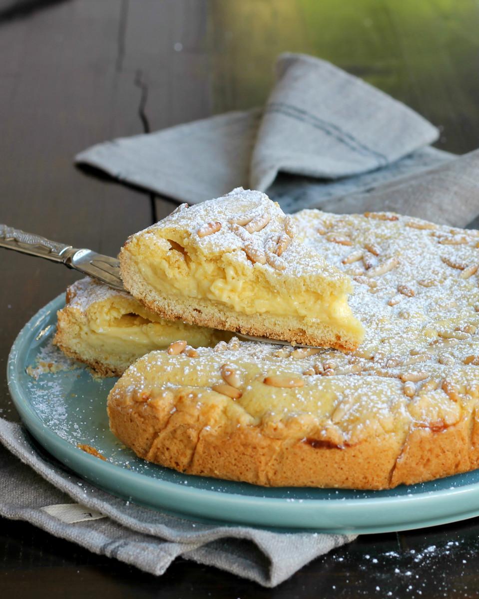 TORTA DELLA NONNA ricetta tipica | crostata crema pasticcera pinoli
