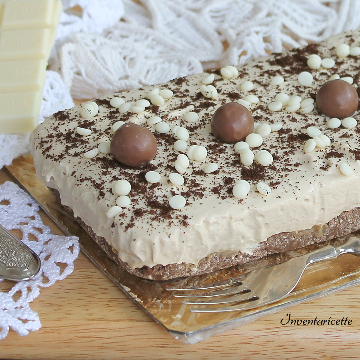 Torta fredda al cioccolato bianco e caff senza cottura - Meglio luce calda o fredda in cucina ...