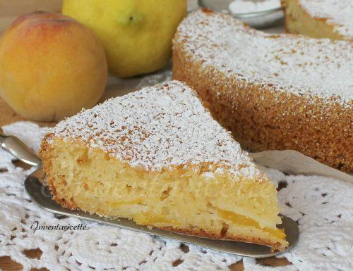 Torta allo yogurt sofficissima con pesche e limone