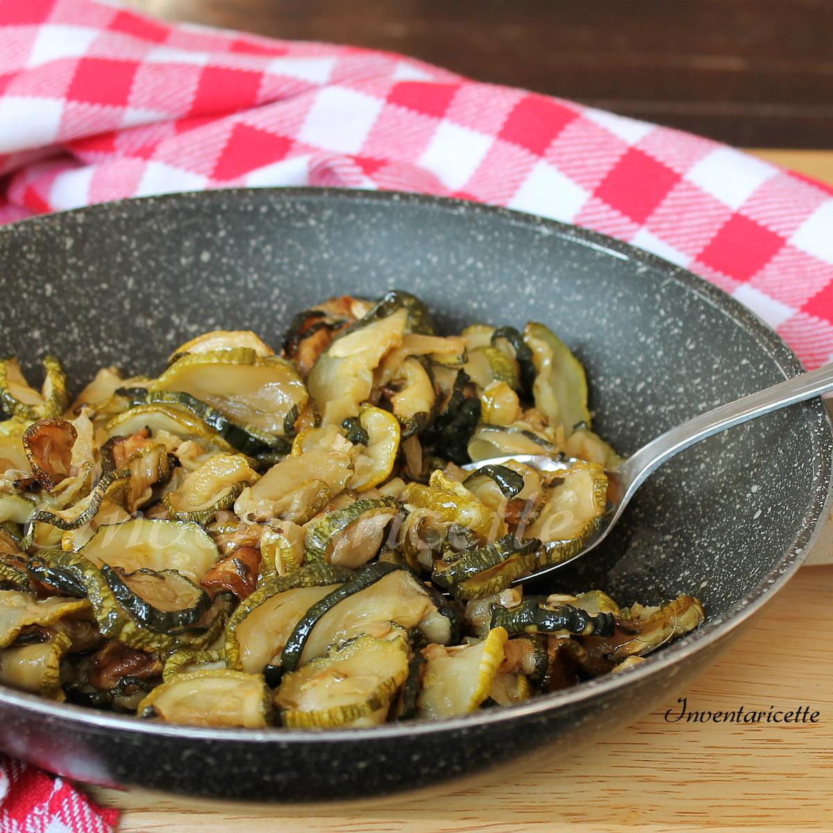 Zucchine croccanti in padella | Inventaricette, In cucina con Maria