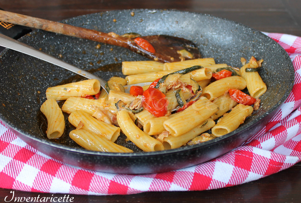 Tortiglioni con zucchine e pancetta