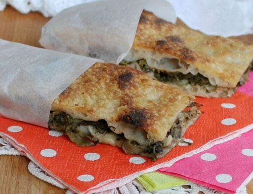 PIZZA CON LE SCAROLE ricetta tipica napoletana