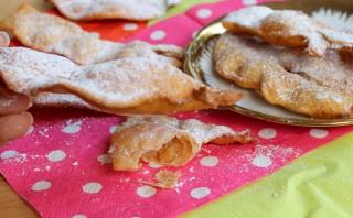 CHIACCHIERE DI CARNEVALE ricetta di Massari