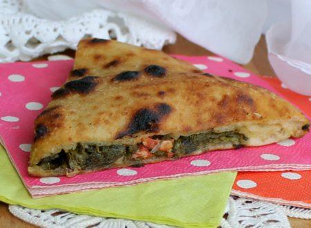 PIZZA RIPIENA SALSICCIA E FRIARIELLI ricetta napoletana