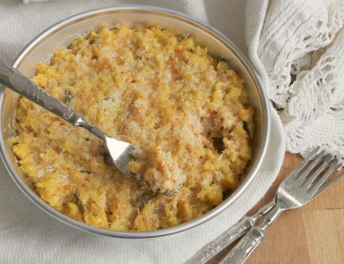 Gratin cremoso di riso al forno zucca e asparagi