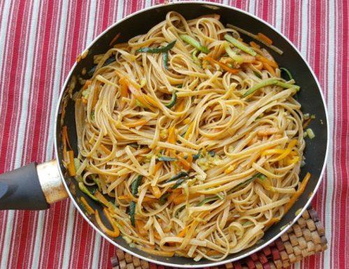 LINGUINE VEGETARIANE ricetta con zucchine e carote
