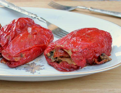PEPERONI IMBOTTITI ricetta peperoni mbuttunati napoletani