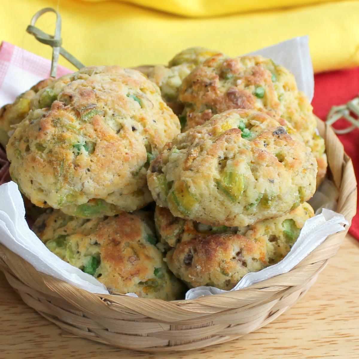 Crocchette di fiori di zucca e acciughe in padella o al forno for Cucinare zucchine al forno