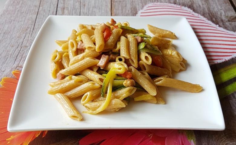 Pasta con le Zucchine e Pancetta Cremosa