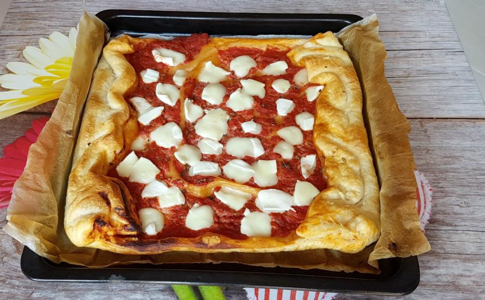 Pizzetta Sfoglia alla Pizza Margherita Pasta Sfoglia Veloce