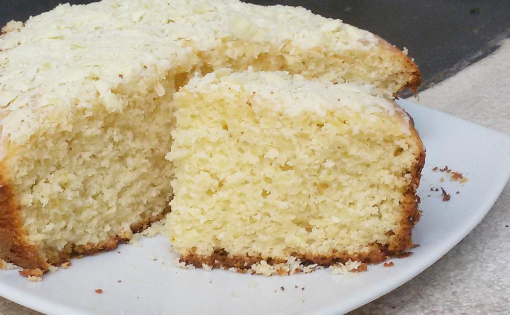 Torta morbida limone cocco e cioccolato bianco