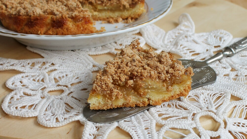 CROSTATA SBRICIOLATA MELE E AMARETTI ricetta torta mele