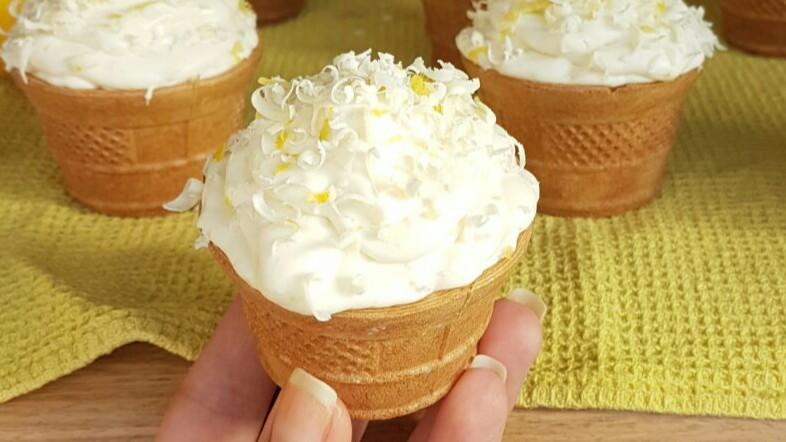 Cupcakes al Limone Cocco e Cioccolato Bianco Senza Burro