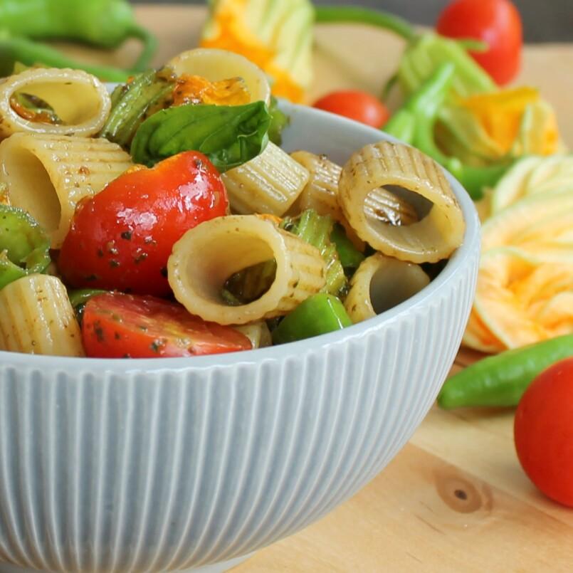 Ricette pasta fredda con pesto genovese