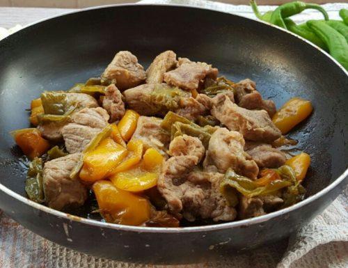 BOCCONCINI DI VITELLO CON PEPERONI ricetta secondo piatto facile