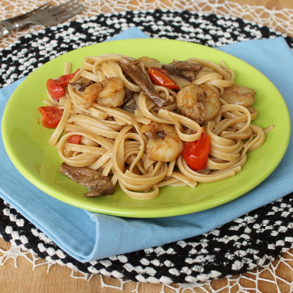 PASTA CON FUNGHI E GAMBERETTI ricetta pasta ai gamberi