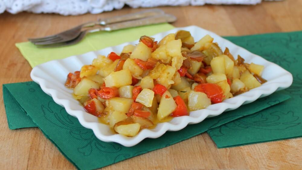PATATE E PEPERONI ricetta contorno di patate in padella